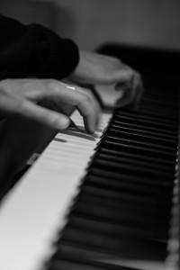 da Piattopiano c'è un piano e se durante il pasto ti viene voglia di suonare un pezzo sei il benvenuto!